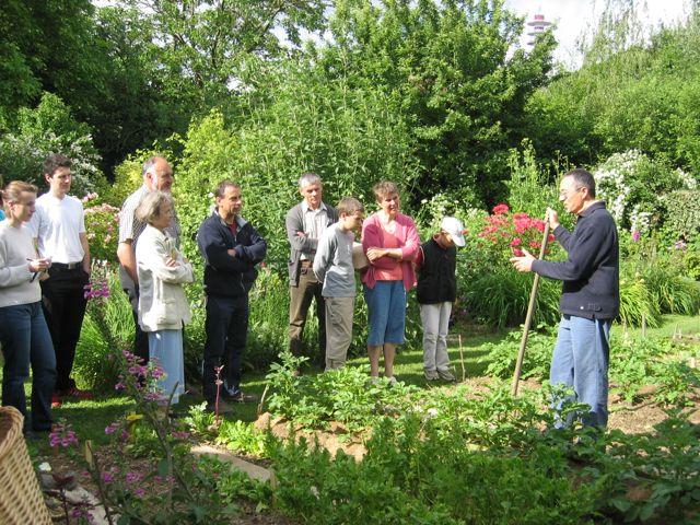 Visite guidee jardin bio bretagne cesson sevigne 35 denis p pin - Jardin potager bio saint denis ...